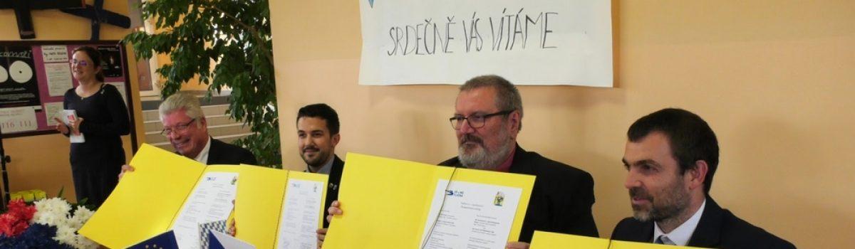 Smlouva o partnerství škol podepsána