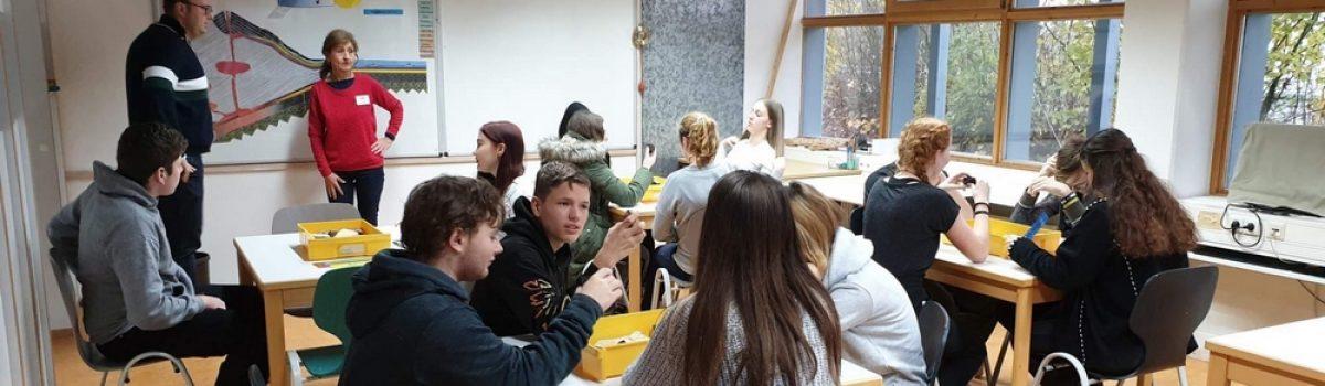 Návštěva GEO-centra a zapojení mladších žáků